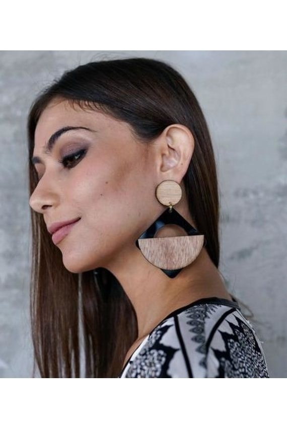 SEEK THE UNIQ Kwame Wood and Acrylic Drop Earrings in Diamond Black, P1,150